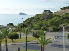 vistas fabulosas al mar, muy cercano a la playa. En su inmobiliaria Asegil en Benidorm le ayudaremos sin compromiso. www.inmobiliariabenidorm.com