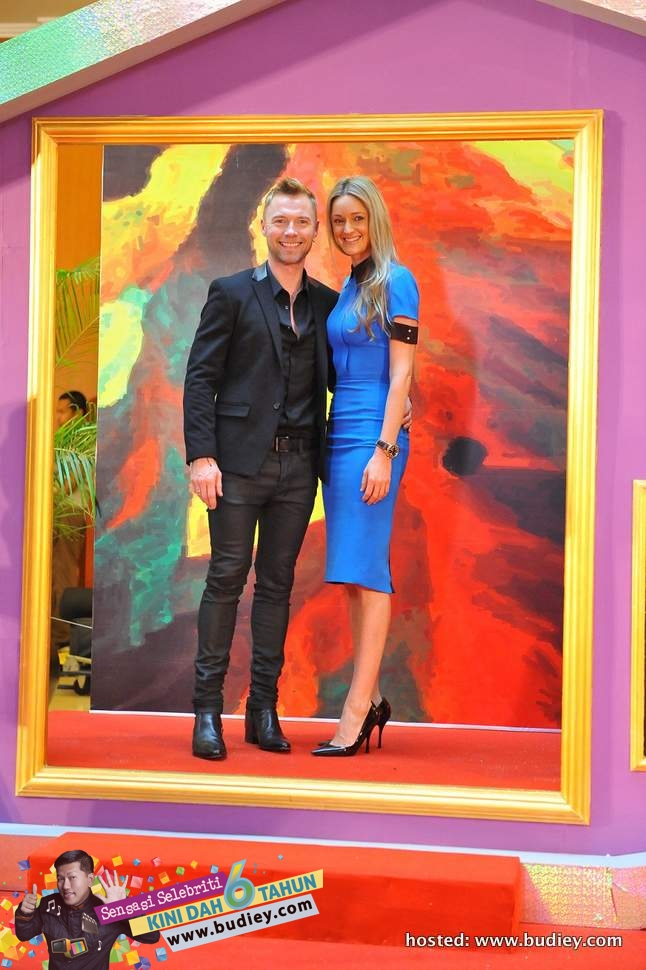 Ronan Keating and partner at Red Carpet