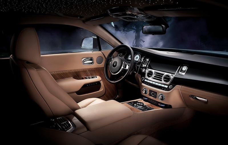 2014 Rolls-Royce Wraith front dashboard