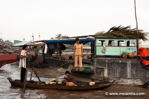 Barca restaurante en el mercado flotante de Cai Rang
