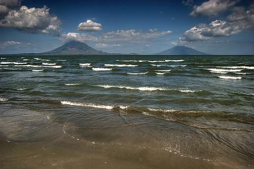 lake volcano nicaragua ometepe volcan cocibolca