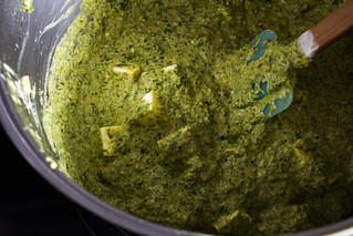 palak paneer in the making