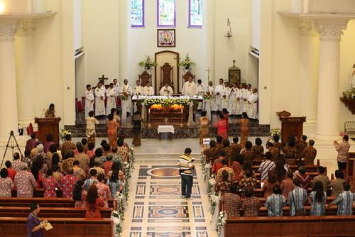 Suasana Misa Pembukaan Sidang Denas ME Indonesia XXXIX di Gereja Katolik Hati Tersuci Maria, Katedral Manado