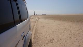 Jipe na praia em Berbera