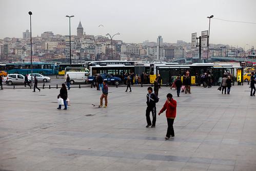 Haltestelle in Istanbul; copyright 2013: Georg Berg