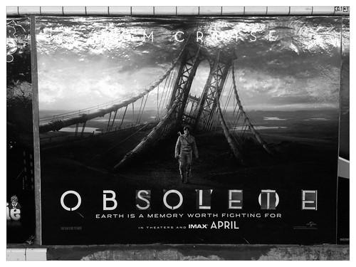 Minor Edit to 'Oblivion' (Steinway St; Queens bound R/M)