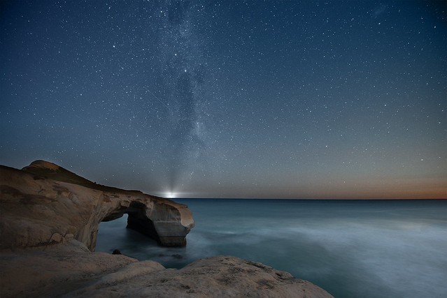 tunnel beach and milkyway