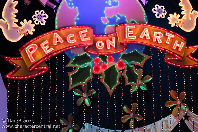 """it's a small world"" Holiday"