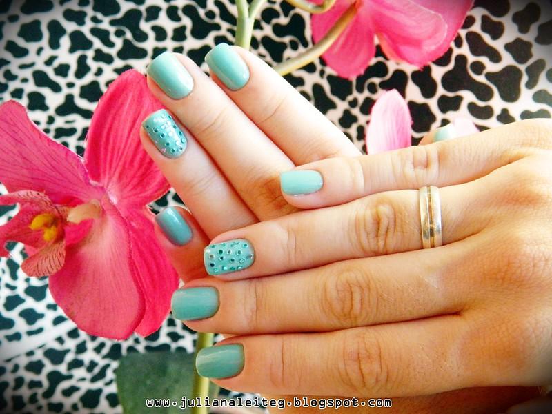 juliana leite unhas decoradas nailart fimos pedras verde avon 008