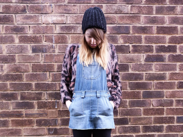 Dungarees & leopard print
