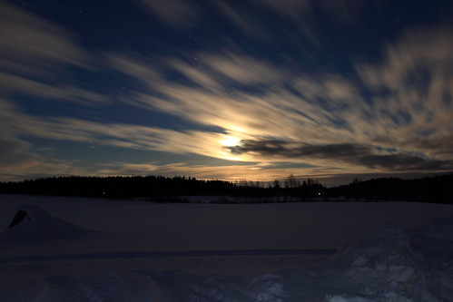 winter cloud moon snow reflection night clouds canon eos 7 moonlight snowfield february lumi talvi kuu yö pilvet pilvi heijastus helmikuu anttonen kuutamo hanki canonef163528liiusm dcanon7dsuomifinlandvalkolaanttospohjajuhani