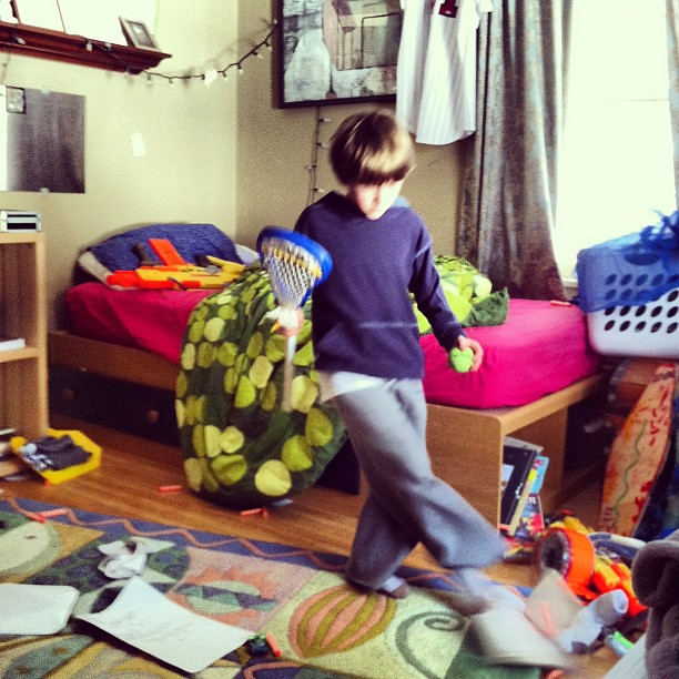 A boy sort of cleaning his room home kickit flickr photo sharing - Photo of how boy can design his room ...