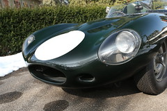 race car(1.0), automobile(1.0), automotive exterior(1.0), wheel(1.0), vehicle(1.0), performance car(1.0), automotive design(1.0), jaguar d-type(1.0), jaguar e-type(1.0), antique car(1.0), vintage car(1.0), land vehicle(1.0), luxury vehicle(1.0), convertible(1.0),