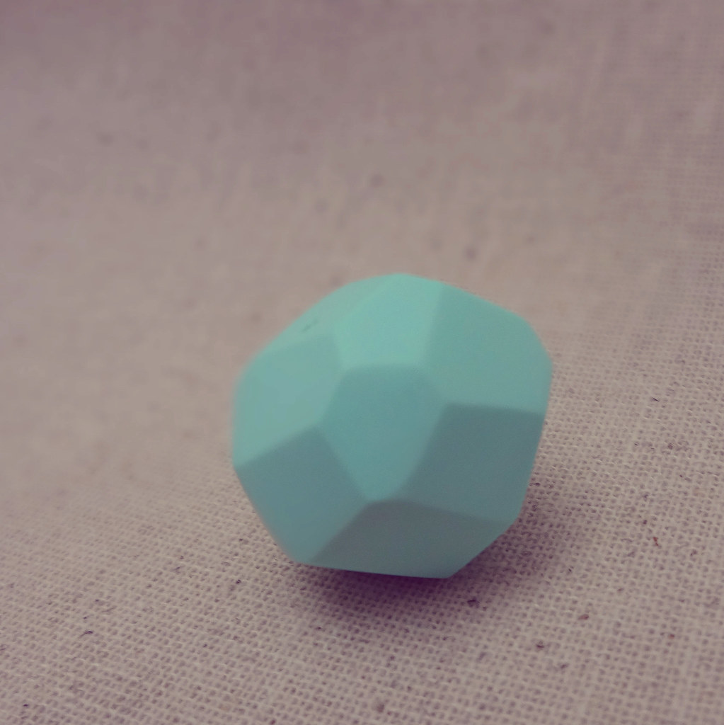 pastel faceted geometric clay beads by joseeMM