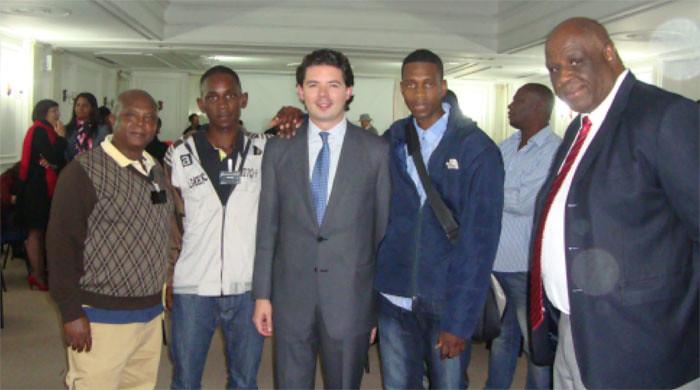 Demetrio López y otros líderes con el Viceministro del Interior Aníbal Fernandez de Soto