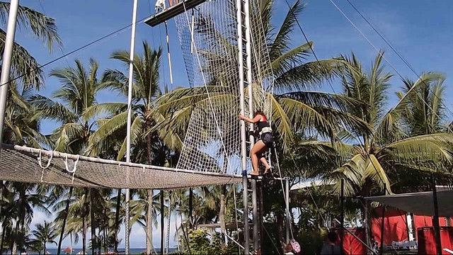 Club Med Bali - flying trapeze - rebecca saw