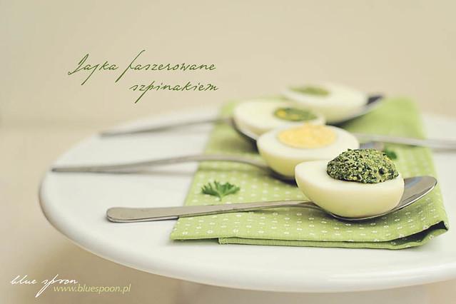 jajka faszerowane szpinakiem - blue spoon