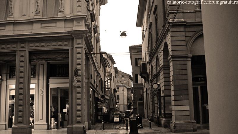 Bologna, Italia - oraşul celei mai vechi universităţi din lume, la primele clipe ale dimineţii 8607298793_80bb8e6708_c