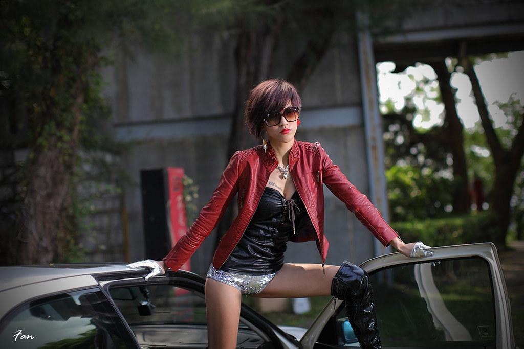 國際車模 Nena Pan 酷勁冷豔淑女風(再加5張圖)