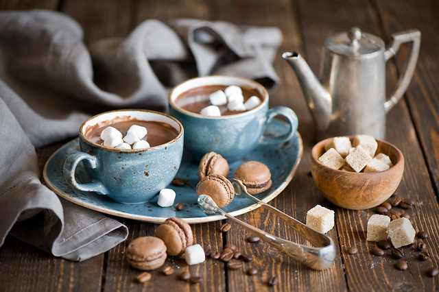 ETC INSPIRATION BOG ART DESIGN FOOD RECIPE DRINK HOT CHOCOLATE AND MINI CHOCOLATE MACARONS MACAROON Anna Verdina (Karnova)| The Little Squirrel on Flickr