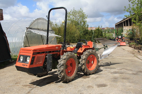 Agria traktorea