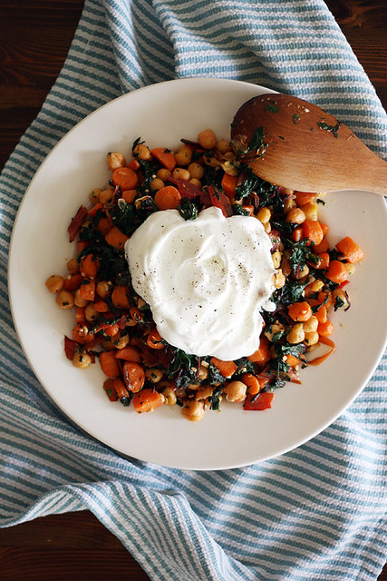 chickpea saute with greek yogurt