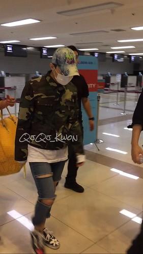 BIGBANG wout Seungri departure Seoul to Tokyo 2016-08-26 (9)