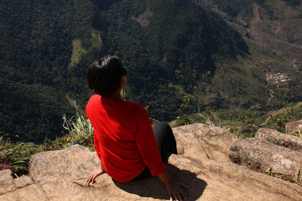 #SriLanka #HortonPlainsNationalPark #SriLankatravelblog #Travelbloggerindia #SriLankatourism #World'sEnd