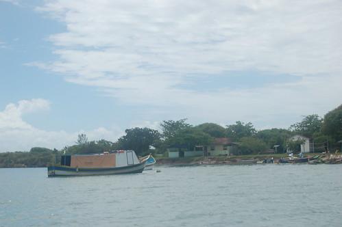 Die Anlegestelle der Isla Cardosa mit einem kleinen Dorf