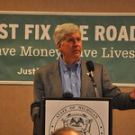 Michigan Municipal League Members Hear Governor Snyder Talk About Transportation Funding Plan in Flint