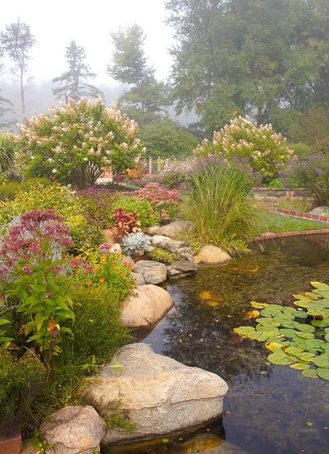 Summer rock garden flickr photo sharing for Landscaping rocks new plymouth