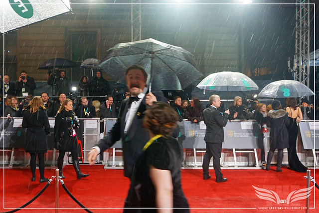 The Establishing Shot: EE BAFTAs PRESENTER STEPHEN FRY ARRIVES & GIVES US A SHOUTOUT
