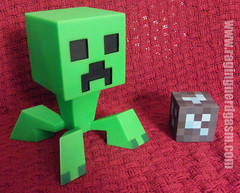 Minecraft 6 inch hard Vinyl Set by Mojan Creeper  (4)