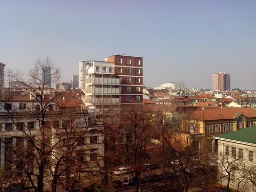 Milano e la sua architettura a colori by Ylbert Durishti