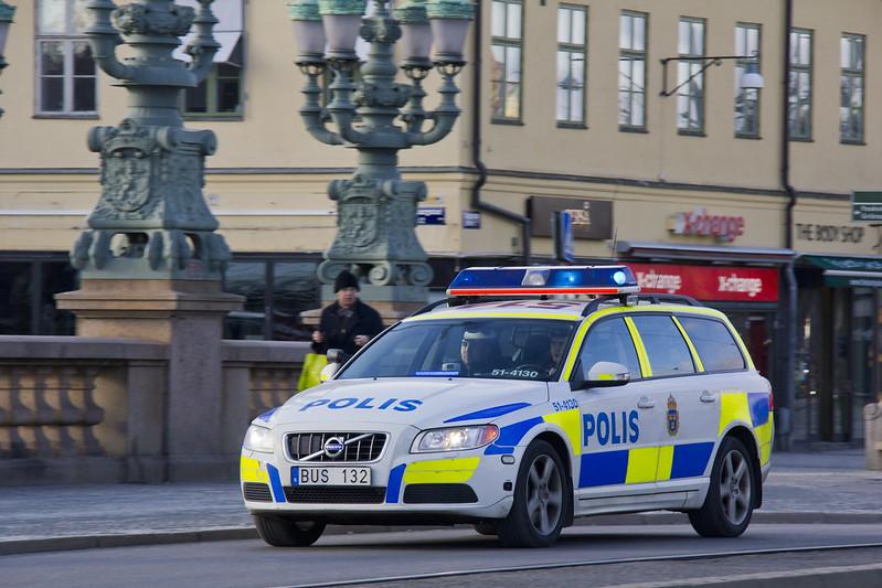 Polis bus