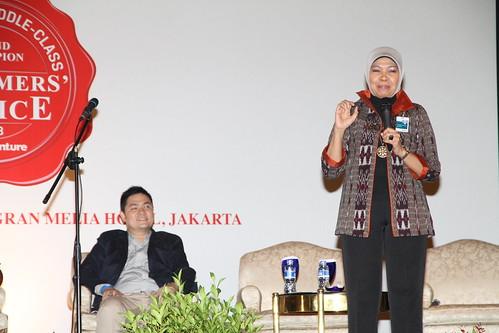 Indonesia Middle-Class Brand Forum 2013-Corina Leyla Karnalies
