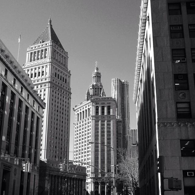 Gehry vs Court Buildings #walkingtoworktoday