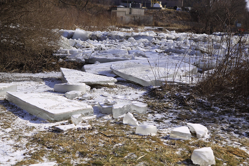 ice blocks dam