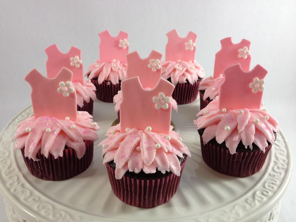 Ballerina cupcakes | Fondant ballerina cupcakes with butterc