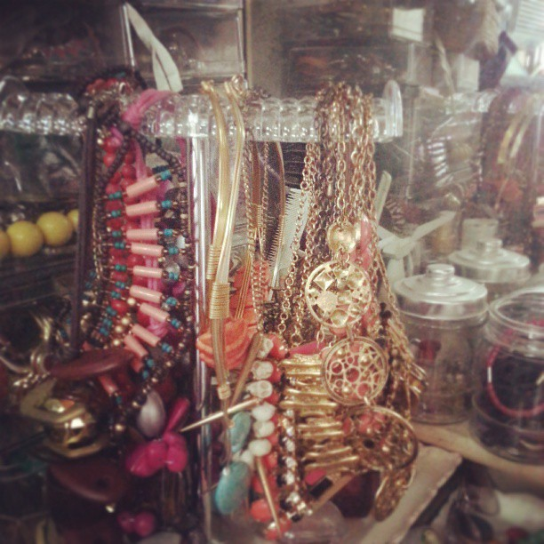Getting my necklaces more organized with this acrylic holder from atty. May and @karradelapaz :) #accessories #necklaces #acrylic #homeorganization #saturdays
