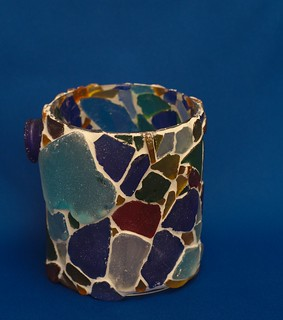 Candlelight holder with mosaic of (fake) seaglass