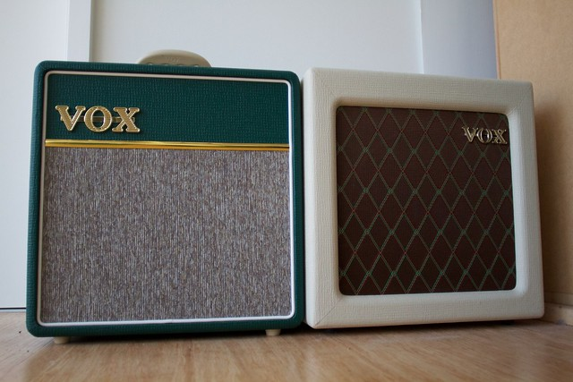 Photo:A pair of mini vox amps By Gavin Tapp