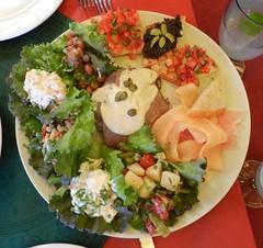 hors d'oeuvre(0.0), caesar salad(0.0), tostada(1.0), meal(1.0), breakfast(1.0), salad(1.0), produce(1.0), food(1.0), dish(1.0), cuisine(1.0),