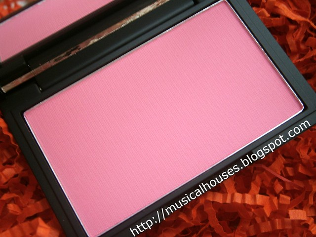 sleek pixie pink blush
