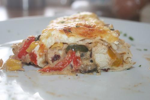 52 - Hähnchen-Tortilla-Auflauf - Querschnitt / Chicken tortilla casserole - cross section