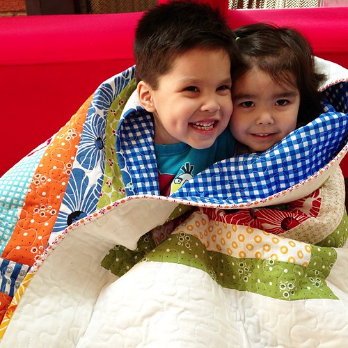 one last snuggle before we sent this #quilt away!