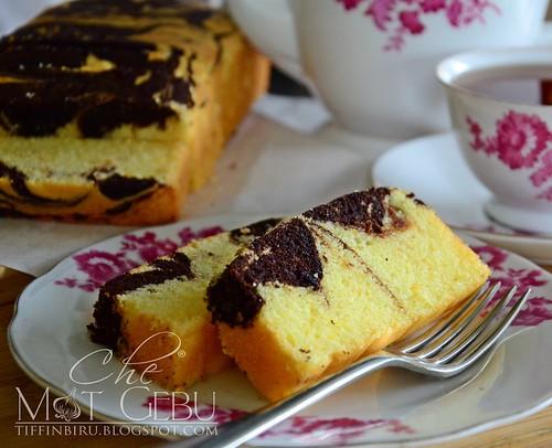 rsz_moist_orange_marble_cake1