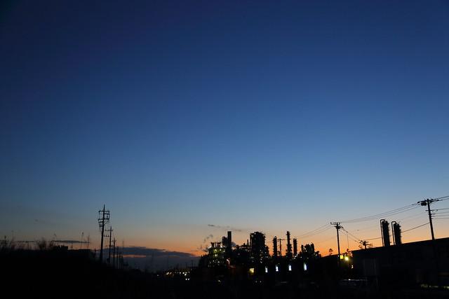 工業地帯の夕暮れ
