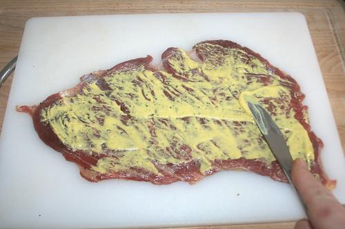 32 - Mit Senf bestreichen / Cover with mustard