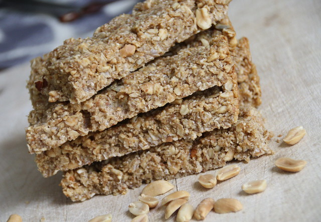 Honey nut granola bar